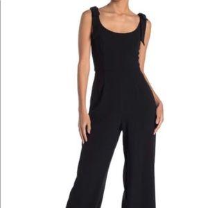 NWT❗️- Julia Jordan wide leg jumpsuit.